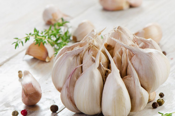 """Garlic, reduces the risk of cancer"""